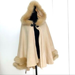 NWT Cape with Faux Fur